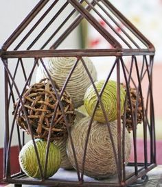 DIY Decorative Balls    Easy to make with items from the dollar store! Oh so cute!