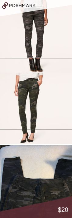 LOFT Julie Skinny Camouflage/Camo Twill Pant Sz 4 All the ease of a jean - with the look of a pant. Crafted w/soft stretch cotton that smoothes and flatters, you'll be digging the military attitude of this camo pair. Julie fit---loft's curvy fit – perfect if your waist is smaller, but your hips are curvier. Front zip with button closure. Wide belt loops. Front scoop and welt pockets. Back patch pockets. Tonal topstitching. 95% Cotton, 5% Spandex. Imported. Machine Washable.  Inseam: 28…