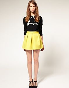 Love this neoprene skirt for colorblocking.