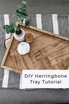 Home Crafts, Crafts To Make, Diy Home Decor, Diy Leather Handle, Wooden Storage Shelves, Wood Sealer, Wooden Serving Trays, Diy Gifts For Him, Incredible Gifts