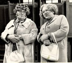 Les Dawson & Roy Barraclough as Cissie and Ada.so funny the faces Les Dawson pulled! Les Dawson, Wedding Jokes, Jokes About Men, Comedy Actors, British Comedy, English Comedy, Classic Comedies, Vintage Tv, Humor