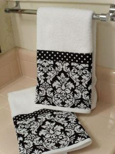 Set of TWO new thick white hand towels for the bathroom, decorated with a black and white damask fabric. The Towels measure 16 by 30 inches. Damask Bathroom, Bathroom Towels, Kitchen Towels, Bathroom Black, Black Bath, White Hand Towels, Hand Towel Sets, Dish Towels, Tea Towels