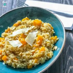 With Halloween upon us, and so much squash going spare, we thought we'd make this Syn Free Butternut Squash Risotto! Great with butternut squash or pumpkin! Butternut Squash Risotto, Chicken And Butternut Squash, Veggie Recipes, Vegetarian Recipes, Healthy Recipes, Savoury Recipes, Vegetarian Diets, Veggie Meals, Healthy Lunches