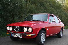 Alfa Romeo Alfetta, Alfetta GTV e 2000 - Foto e immagini - Motori. Alfa Romeo Cars, Alfa Romeo Giulia, Classic Italian, Car Manufacturers, Cars And Motorcycles, Vintage Cars, Classic Cars, Vehicles, Alfa Gtv