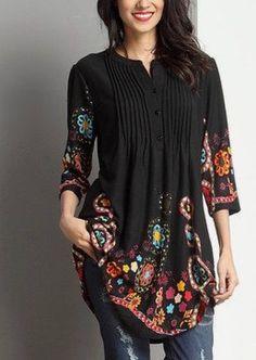 Love this Black Garden Notch Neck Pin Tuck Tunic by Reborn Collection on Denim Fashion, Boho Fashion, Fashion Dresses, Womens Fashion, Fashion Clothes, Mode Plus, Mode Hijab, Mode Style, Boho Chic