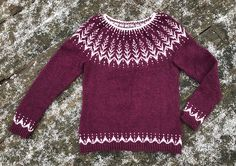 Ravelry: Vintersol pattern by Jennifer Steingass Ravelry, Light Colors, Color Combinations, Winter Outfits, Free Pattern, Knitting Patterns, My Design, Men Sweater, My Style