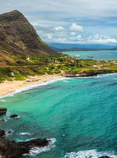 Though it's a mere pocket of sand—no wider than a quarter-mile long—Makapu'u Beach is undoubtedly one of Oahu's most scenic beaches.