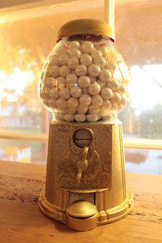 Gilded Gumball Machine with Welcome Sign Tutorial - SwoOn Paper Market
