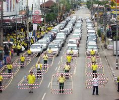 The Austrian civil engineer Hermann Knoflacher developed the Gehzeug, or walkmobile, in 1975 to allow a pedestrian to approximate the amount of space taken by a motorist. Mobiles, Khon Kaen, Happy City, Sustainable City, Rapid Transit, Sharing Economy, Smart City, Rural Area, Bicycle Design