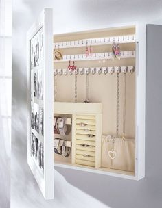 [orginial_title] – Home Lover 15 Amazing DIY Jewelry Holder Ideas to Try jewelry box diy Hidden Jewelry Storage, Hidden Storage, Jewellery Storage, Diy Storage, Jewellery Display, Storage Ideas, Jewellery Boxes, Storage Mirror, Jewelry Stand
