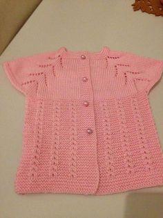 Yakadan Başlama Ajurlu Ve Kahve Çatlağı Örneğinde Bebek Yeleği Yapımı 1 .2 yaş Crochet For Kids, Crochet Baby, Knit Crochet, Baby Vest, Baby Cardigan, Baby Knitting Patterns, Moda Emo, Down Hairstyles, Handmade Bags