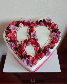 "[New] The 10 Best Dessert Ideas Today (with Pictures) -   mamke ""60"" #torta #cake #dort #narodeniny #birthday #narodeninovatorta #birthdaycake #60 #srdce #heart #srdcetorta #heartcake #jedlo #food #sladke #sweet #cerstva #fresh #ovocie #fruit #rucnapraca #handmade #mascarpone #kosice #tortykosice Dessert Ideas, Fun Desserts, Birthday Cake, Fresh, Heart, Sweet, Handmade, Pictures, Food"