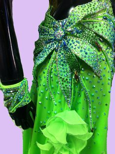 Ballroom Dance Dress of Light Green Color por DesignByNatasha