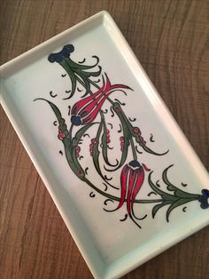 Kahve tepsısı Islamic Tiles, Islamic Art, Turkish Tiles, Embroidered Cushions, Metal Trays, Traditional Paintings, Tile Art, Pyrography, Decorative Items