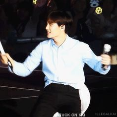 """""""Baby breaking yet another lightstick and fixing it """""""