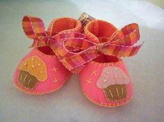 Resultado de imagem para felt baby shoes