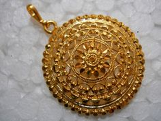 images of gold jewellery Gold Jewelry Simple, Gold Wedding Jewelry, 14k Gold Jewelry, Gold Jewellery Design, Pendant Jewelry, Bridal Jewelry, Resin Jewellery, Temple Jewellery, Gold Pendent