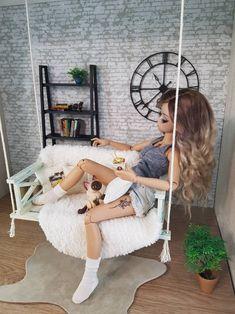 Barbie is the day Barbie Dolls Diy, Barbie Fashionista Dolls, Diy Barbie Clothes, Barbie Dress, Bjd Dolls, Diy Doll, Barbie Stuff, Diy Barbie Furniture, Beautiful Barbie Dolls
