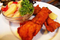 Dish.0750  鯉のフライ from Budapest,Hungary. ハンガリーは内陸国であるため、川魚を使った料理が多い。ナマズやマスが使われることが多いが、メインとなるのは「鯉」。日本で鯉を食べる機会は多くないが、ハンガリーでは一般的で、特にハラースレーという魚のスープが有名。