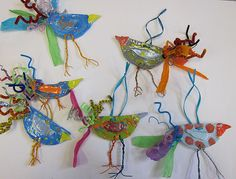 clay birds with wire and pipe cleaners. Use air dry clay? Clay Projects For Kids, Kids Clay, School Art Projects, 2nd Grade Art, Grade 2, Fourth Grade, Clay Birds, Ceramic Birds, Ceramics Projects