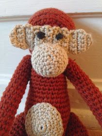 byoestergaard: Hæklet abe Hygge, Crochet Baby Toys, Diy And Crafts, Teddy Bear, Knitting, How To Make, Blog, Animals, Snefnug