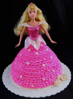 Karam Reese could be fun to use your pan and make a sleeping beauty cake with the sleeping beauty barbie.happy to help! My only problem at the park is our cupcakes started to melt some. Disney Princess Birthday, Barbie Princess, Princess Party, Princess Cakes, Princess Aurora, Sleeping Beauty Cake, Sleeping Beauty Princess, Disney Sleeping Beauty, Aurora Cake
