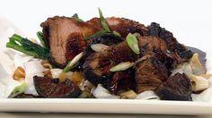 Pork with sticky asian glaze Pork Recipes, Pasta Recipes, Low Carb Recipes, Vegetarian Recipes, Chicken Recipes, Dinner Recipes, Dessert Recipes, Cooking Recipes, Healthy Recipes