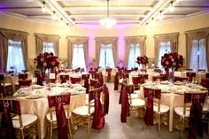 cranberry and champagne wedding color scheme | Tips for organizing a wedding in fall