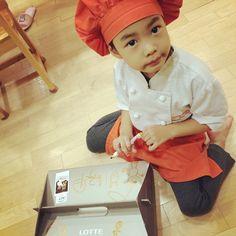 tabloisdad's photo on Instagram Lee Haru, Song Daehan, Love Park, Joo Hyuk, Captain Jack Sparrow, Song Joong Ki, Hanbin, Cute Kids, Superman