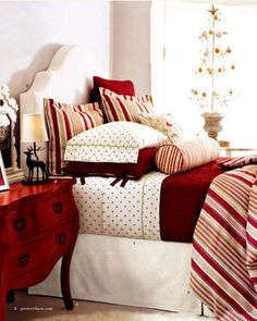Pretty Christmas Bed linens.