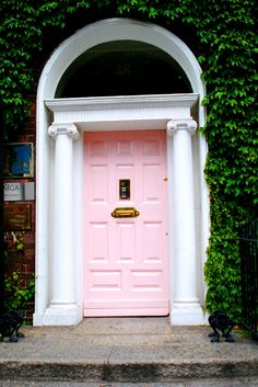 Pink door in Dublin #love
