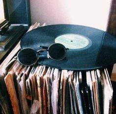 musique vinyles lunettes