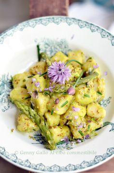 Gnocchi di ricotta in crema verde di asparagi e zucchine