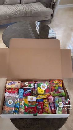 Bff Christmas Gifts, Sour Candy, Milkshake Recipes, I Got This, Food Dishes, Yummy Food, Sweets, Snacks, Otaku