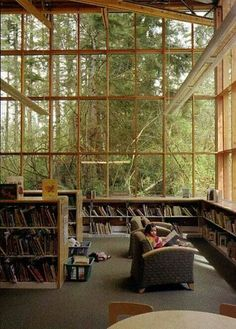 Library and Nature...oh how much I would love to have this room! Just imagine it raining...