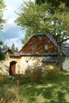 SAMOTÍN Good Old Times, Vernacular Architecture, Slovenia, Traditional House, Czech Republic, Old Houses, Croatia, Cottage, Explore