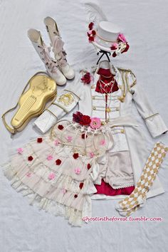 My Coord from Omnia Vanitas Day 1 Alice and the Pirates: Jacket, boots, socks, bag, necklace Baby the Stars Shine Bright: Tulle Buttcape Dear Celine: Shorts Handmade By Me: T-Rex hat, bones buttcape Juliette et Justine: Ruffles buttcape Offbrand:...