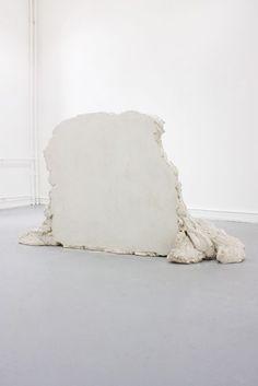 Also, Untitled by Karsten Födinger, made of gypsum plaster and soul parts too, probably, via Raeber von Stenglin. Contemporary Sculpture, Contemporary Artists, Abstract Sculpture, Sculpture Art, Monochrom, Process Art, Art Object, Art Plastique, Installation Art