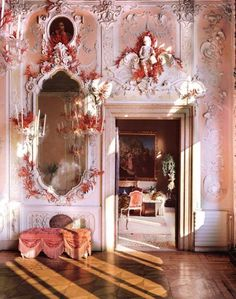 Dodie Rosenkrans villa in Venice has 25,000 pieces of hand made coral installed in its walls and ceiling. Interior Design Tony Duquette.