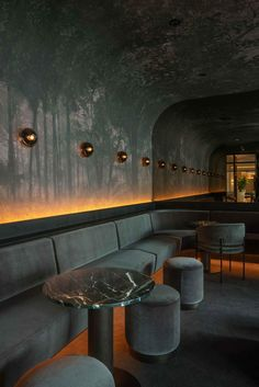 Four Seasons Hotel — Montreal, Canada - The lounge/ bar of the hotel is designed by Montreal studio Atelier Zébulon Perron, the space was - Lounge Design, Design Hotel, Design Bar Restaurant, Deco Restaurant, Bar Interior Design, Cafe Design, Restaurant Lounge, Restaurant Lighting, Hotel Interiors