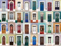 Een wereld van verschil: ramen en deuren aller landen in beeld. Hier: verschillende voordeuren in Portugal.