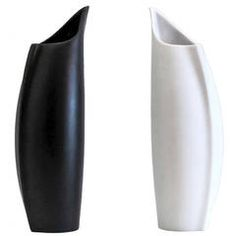 For Sale on - Two delicate porcelain vases by Lino Sabattini for Rosenthal, Germany, one black, one white vase in matte exterior and gloss interior finish, signed. Porcelain Jewelry, Porcelain Vase, White Porcelain, Clay Vase, Vintage Vases, White Vases, Scandinavian Modern, Accent Pieces, Penguin