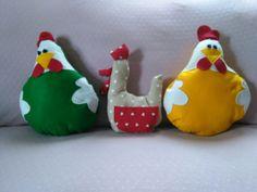 Polli e gallina in panno
