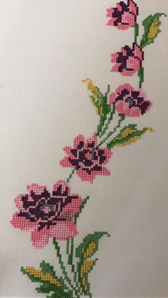 This Pin was discovered by Zeh Easy Cross Stitch Patterns, Simple Cross Stitch, Cross Stitch Rose, Cross Stitch Borders, Cross Stitch Flowers, Cross Stitch Designs, Cross Stitching, Cross Stitch Embroidery, Floral Embroidery