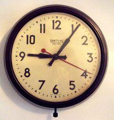 Smith Bakelite clock