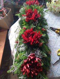 Cemetery Decorations, Funeral Flowers, Fall Flowers, Ikebana, Flower Decorations, Flower Arrangements, Christmas Wreaths, Holiday Decor, Wedding