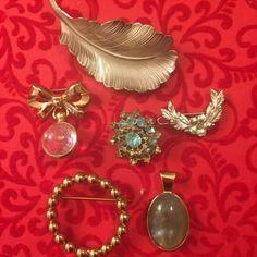 Vintage Jewelry Lot 6 Pc Giovanni Leaf Coro Bow Circle Pin Sm Barrette Blue Pin #CoroGiovanni Barrette, Brooch Pin, Costume Jewelry, Brooches, Retro Vintage, Vintage Jewelry, Bows, Earrings, Ebay