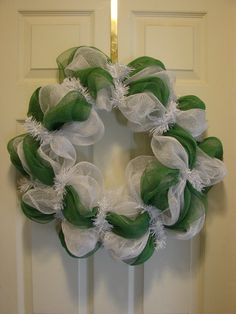 Green & white wreath (for Delta State & other schools; also Kappa Delta) $35