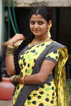 Nikhila Vimal in Panjumittai 10 Most Beautiful Women, Beautiful Girl In India, Beautiful Blonde Girl, Beautiful Girl Photo, Most Beautiful Indian Actress, Beautiful Girl Quotes, Beautiful Toes, Beautiful Saree, Beauty Full Girl