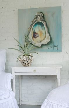 oyster shells on the mantle and the bellamy painting is beautiful Coastal Art, Coastal Cottage, Coastal Homes, Coastal Style, Cottages By The Sea, Beach Cottages, Hm Deco, Art Plage, Painted Shells